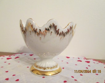 White Porcelain candy dish with Gold accents made in Spian