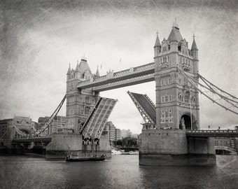 London Photography, Tower Bridge, Black and White, Fine Art Photography, London Decor, Landscape, Architecture, Wall Art, Matted Print