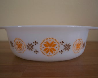Vintage Pyrex Town and Country Cinderella Oval Casserole Dish 1.5 Quart