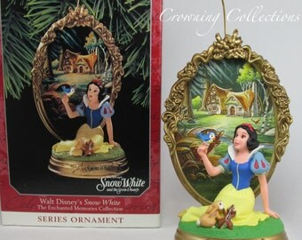 Disney Hallmark Snow White Ornament Enchanted Memories Princess 2nd BEAUTIFUL 7 Dwarfs and The Seven 1998 Dwarves