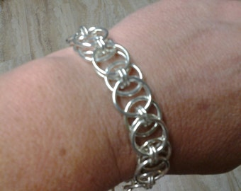 Chainmaille Celtic Knot bracelet