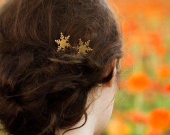Gold Snowflake Bobby Pins Snowflake Hair Pins Gold Brass Snowflake Hair Clips Winter Wedding Bridal Hair Pin Christmas Hair Pins