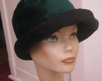 Org 60 he j. emerald green wool felt hat with sequin/Glasperlchen