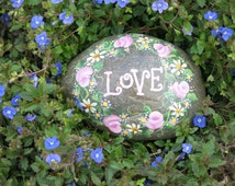 "Painted garden ""LOVE"" rock, rose and daisy yard decoration, Flower Painting"