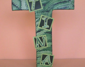 3D-Buchstabe in the jungle look / initial / Monogram Letter T