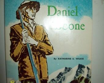 Vintage 1960 Daniel Boone Taming The Wilds Children's Paperback Book
