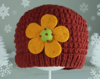 Handmade knit hat for women by Creations Tricotine
