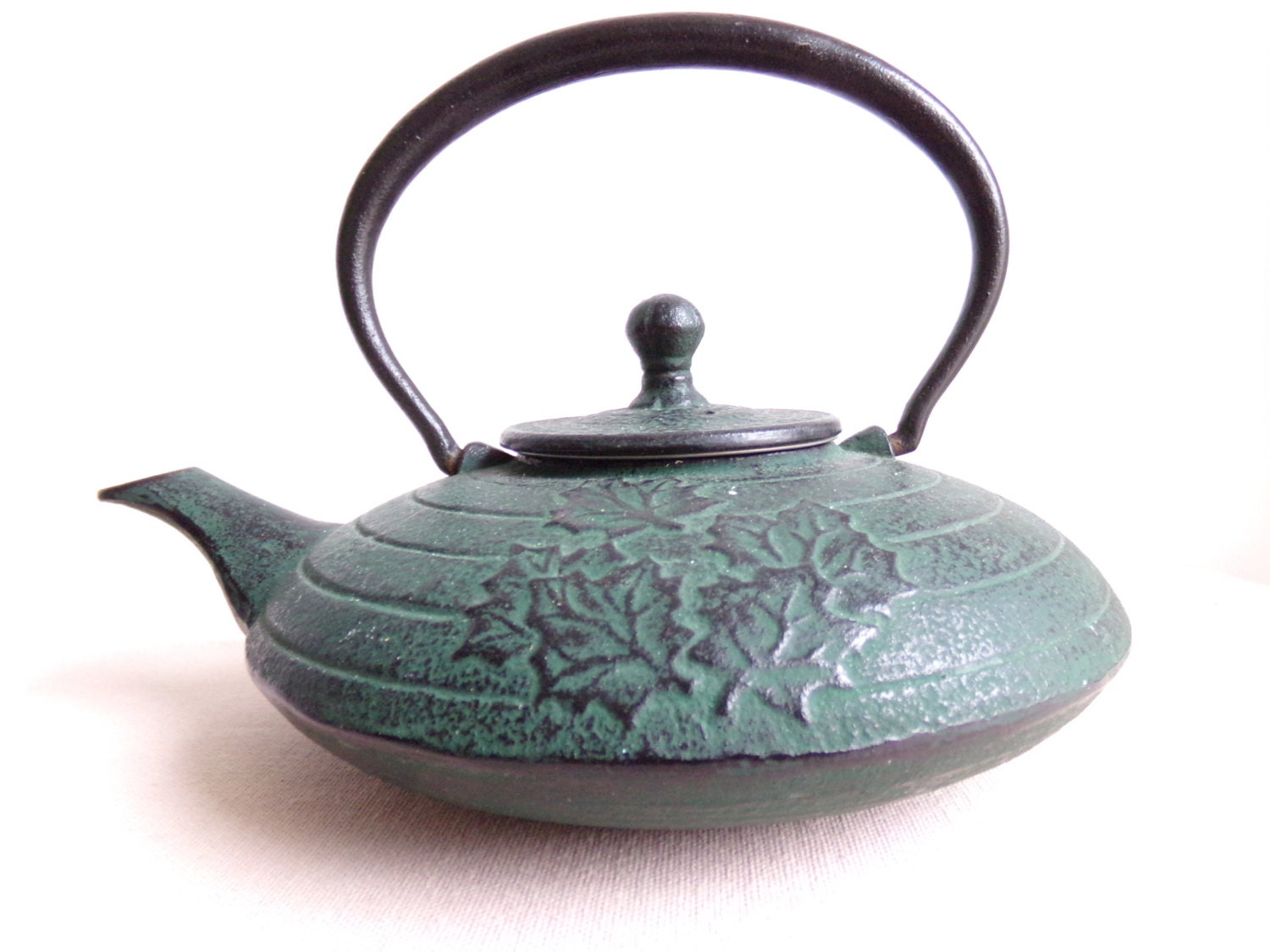 Superb cast iron tea pot tissaniere with by