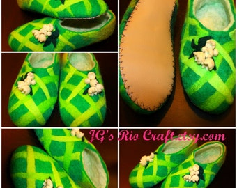 Felted slippers Green meadow Тапочки из войлока Зеленый луг Валяные тапки