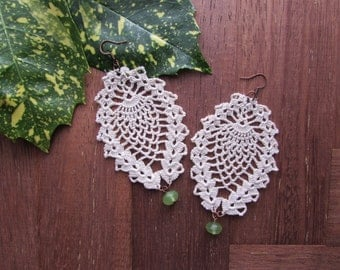 Pinecone earrings 100% ecru cotton, crochet handmade with green crystal
