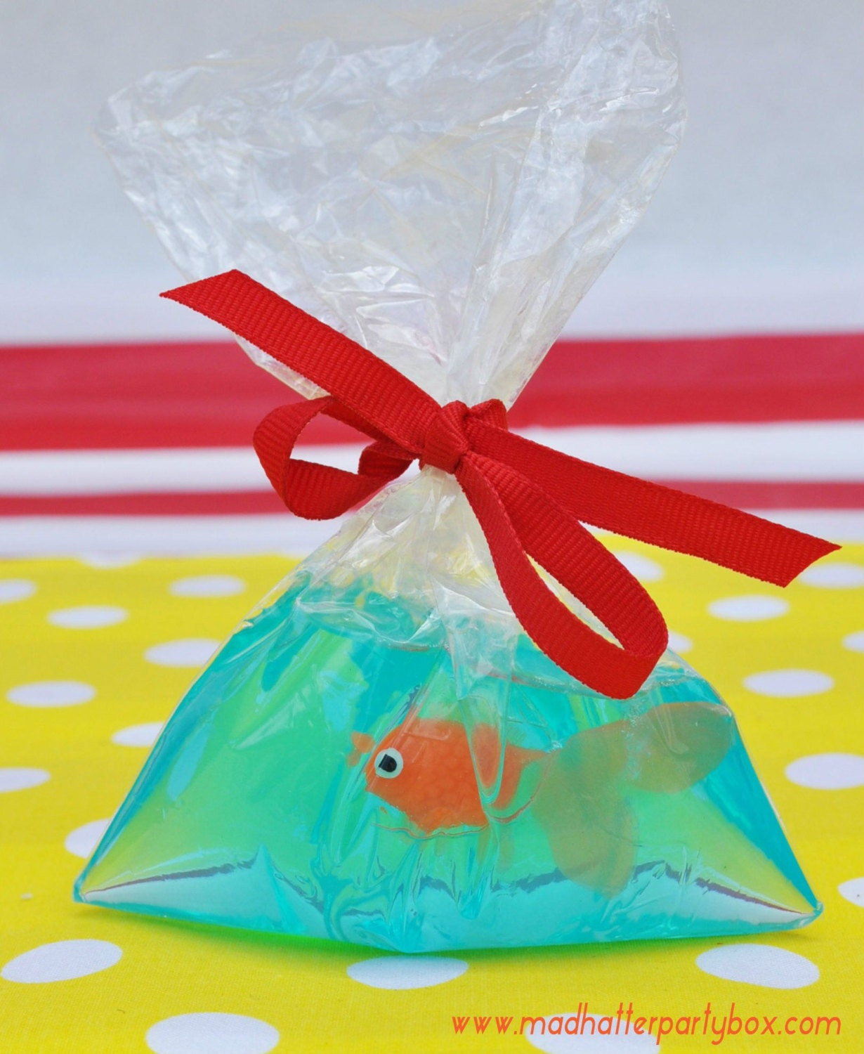 Carnival party favor fish in a bag soaps circus favor for Fish in a bag