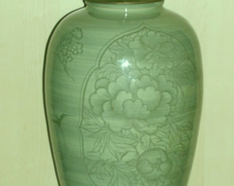 Korean Celadon Vase Lamp - Cranes & Peonies - Vintage, Mint Condition