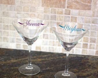Personalized martini glass.  Glass with name, custom martini glasses. Christmas gift, Birthday gift idea, Bachelorette party, gift for her