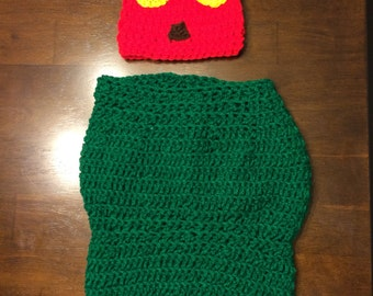 Crochet Very Hungry Caterpillar Hat and Cocoon
