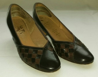 Vintage 1970s Brown Woven Leather Court Shoes Size 3.5 by Clarks