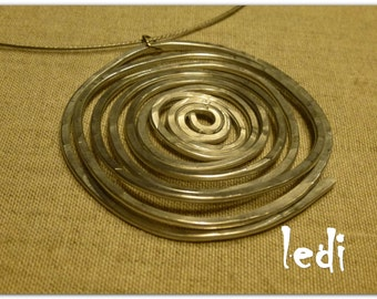 1 water Circles necklace