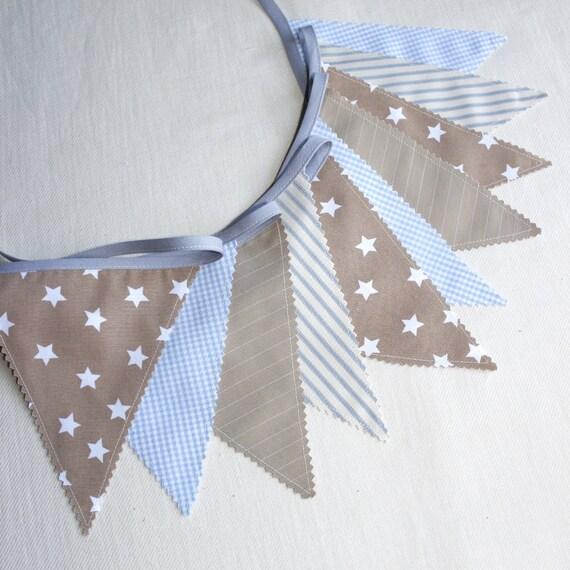Deco Chambre Grise :  de fanions  Banderole  Bleu ciel, Beige  Deco chambre bebe
