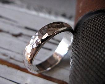 Hammered Silver Ring Mens Wedding Band Mens Wedding Ring Domed 5mm Man Wedding Band Hammered Silver Ring Man Wedding Ring Silver Mens Ring