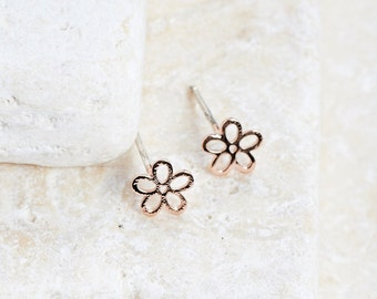Flower Earrings - White gold/ Rose gold/ Yellow gold plated dainty earring