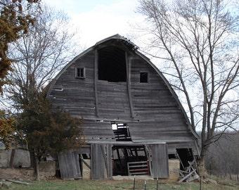 FALLING BARN, Missouri