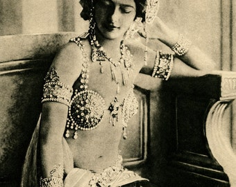 "Photo of ""Mata Hari"" by Leopold Reutlinger, Paris, 1910"