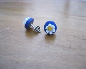 Vintage BUTTON DAISY Stud Earrings