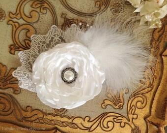 White Bridal Flower Hair piece.Headpiece.Hairpiece.Fascinator.Vintage Wedding.Hair Clip.Flower Hair Accessory.Wedding.Bride.READY TO SHIP