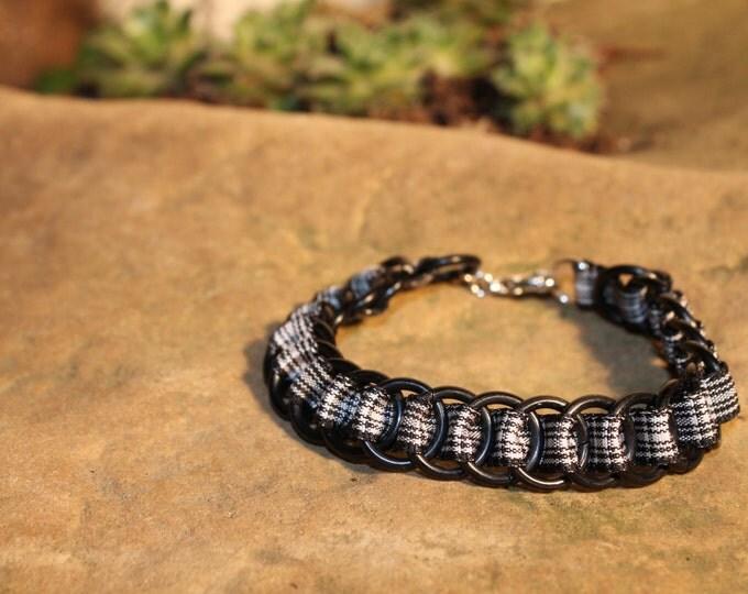 Menzies Tartan Ribbonmaille Bracelet - Black Rings, Lobster-claw clasp