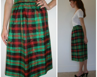 80s taffeta plaid skirt. Perfect holiday skirt in green and red taffeta tartan plaid skirt, by Chris Kellogg. Size S.