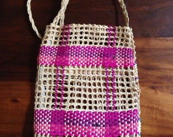 Pink Raffia Purse, Woven Tote Bag, 60s boho craft vintage purse plaid woven wine satchel shoulderbag beige magenta festival playa wear beach