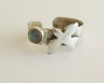 Sea Gull bird totem Toe Ring with labradorite in sterling silver adjustable band toe ring, symbolic bird fetish