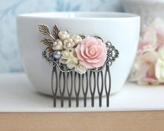 Pink Rose Flower Comb, Pink and Ivory Flowers, Brass Leaf Hair Comb. Bridesmaid Gifts. Pink vintage Inspired Rustic Spring Wedding. Bridal.