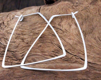 Geometric rectangle wire hammered earrings