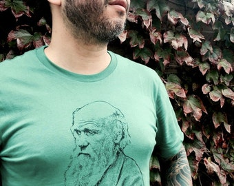 CHARLES DARWIN Funny Quote T-Shirt Unisex All sizes Green