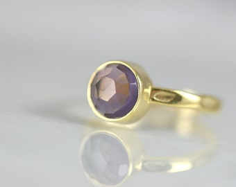 Round Cut Gold Ring - Amethyst Girlfriends Ring - Amethyst Crystal Ring - February Birthstone Ring - Gemstone Stacking Ring - Amethyst Ring