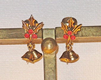 Vintage Christmas Dangling Bells and Holly Clip Earrings (C-1)