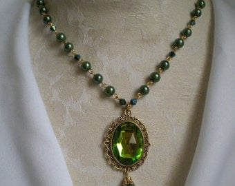 Princess Pearls & Gem Necklace Topaz Green and Gold Vers.