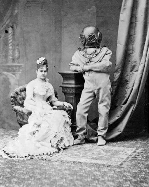 Victorian lady deep sea diver weird vintage photography for Odd victorian names