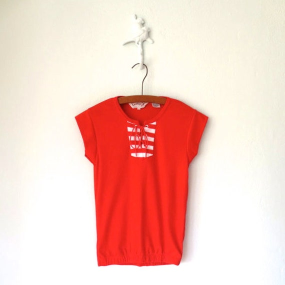 SALE * Vintage 70s T-Shirt * 1970s Red Knit Top * Lace-up Sport Tee * Small - Medium