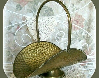 Brass Basket Metal Basket with Handle Rustic Basket Handled Vintage Basket Decor Flower Collectible Decorative Fireplace Primitive Hammered