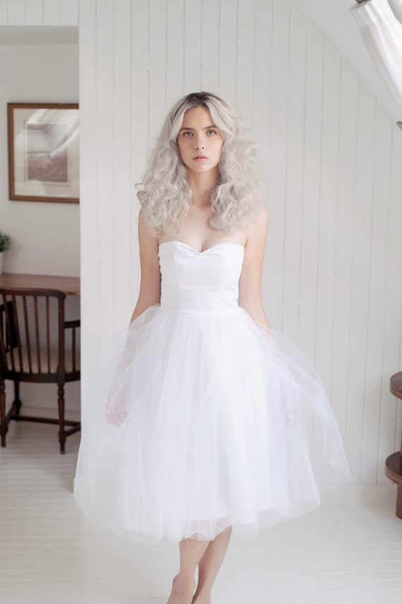 Tulle wedding dress short wedding dress retro strapless for Etsy tea length wedding dress