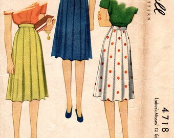 1940s Gored Paneled Skirt Pattern - Vintage McCall 4718 - Waist 26
