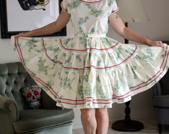 1950s fifties vintage floral patio dress white blue red sheet fabric square dancing ric rac