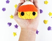 Candy Corn Keychain - Halloween Keychain, Trick or Treat, Felt Food, Party Favors, Limited Edition