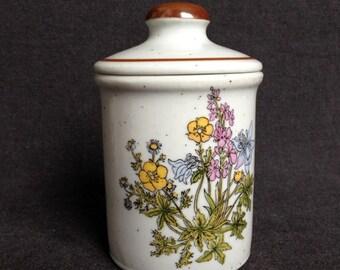 Vintage little jar. Trinkets holder. Hostess gift idea.