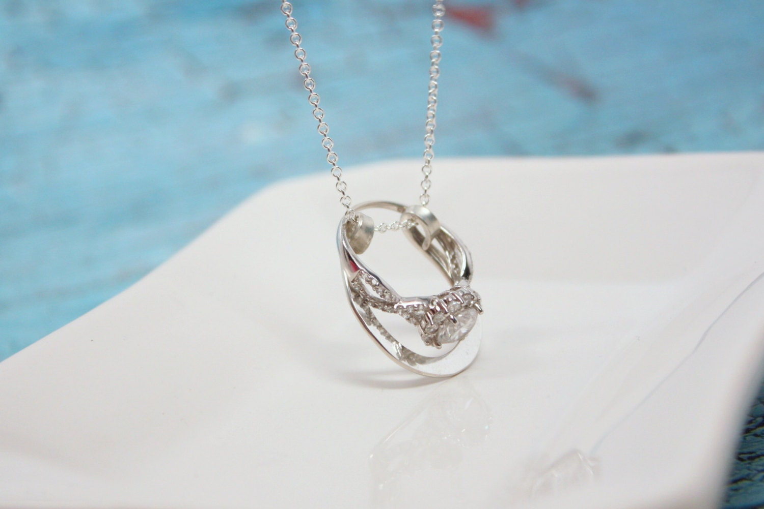 Horseshoe ring holder necklace wedding or engagement ring for Wedding ring necklace