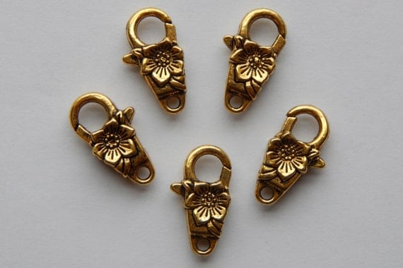 5 Pieces of Jewelry Clasps - Lobster Claw, Flower Shape, Floral, Metal, Antique Gold Color, 24mm, Double Sided Design