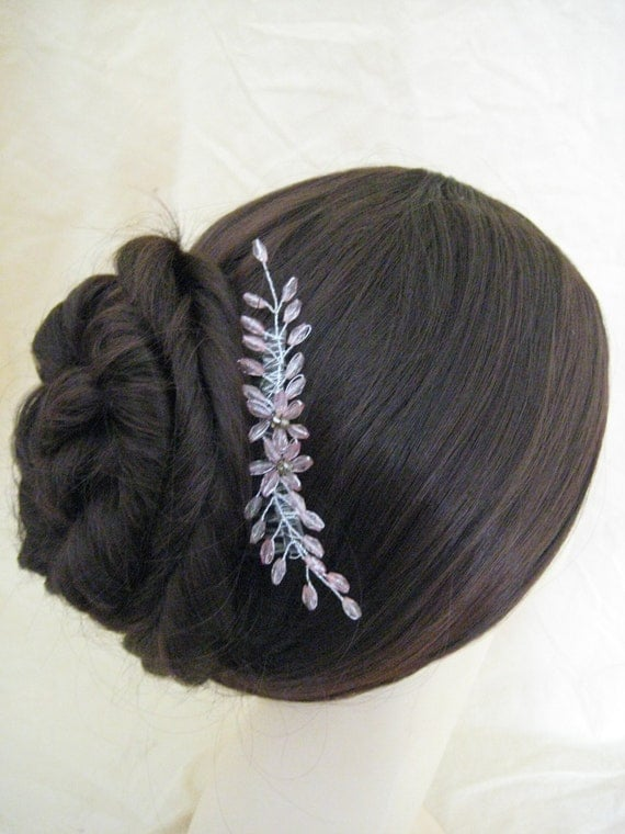 Hair Comb. HANDMADE. Pink beaded floral delicate Haircomb. Bridal, Wedding, Prom, Evening.