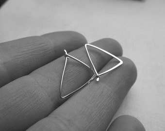 Extra Small Triangle Hoop Earrings / Argentium Sterling Silver Hoops / Thin Hoop Earrings / Small Silver Hoops / Geometric Hammered Hoops