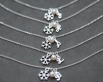 Custom Bridesmaid Jewelry, Winter Wedding Snowflake Bracelet, Bridesmaid Gift set of 7 Seven, Initial Charm Bracelets